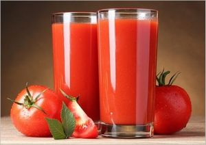 トマトジュース 夜
